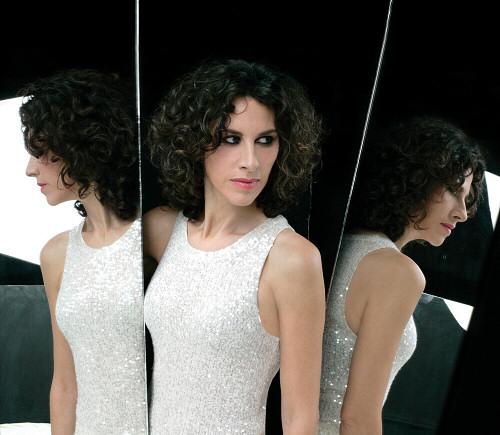 Η Ελευθερία Αρβανιτάκη μιλάει στο MusicHeaven