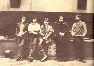 Άπο αριστερά: Άλκης Αλκαίος, Βλάσσης Μπονάτσος, Μαρία Δημητριάδη, Θάνος Μικρούτσικος και Κώστας Καράλης.